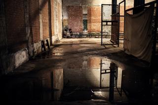 bon_easthamprison.jpg